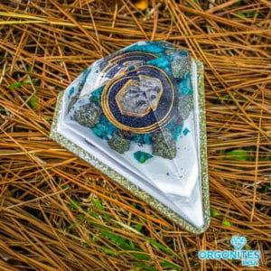 Orgonite Personalizado Diamante Médio 11cm Com Borda